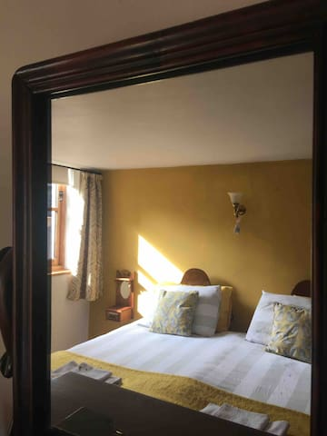 Bedroom 2 as super king