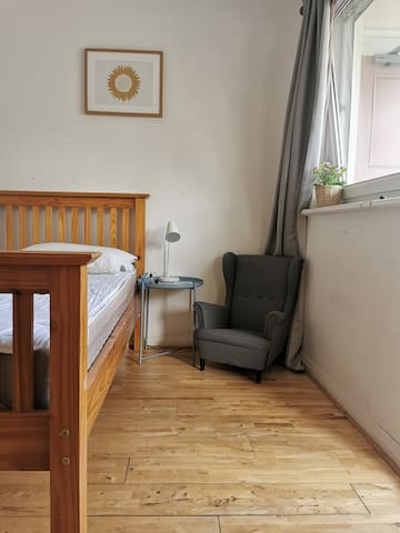cozy room close to Camden and Regent park