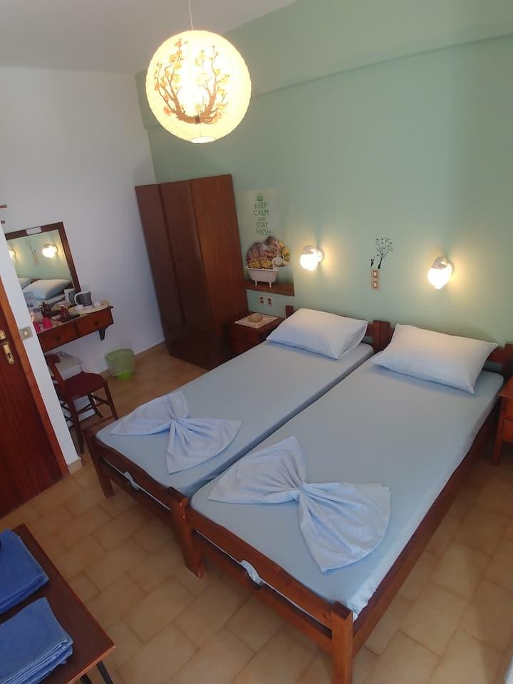 Lefteri's Rooms II.