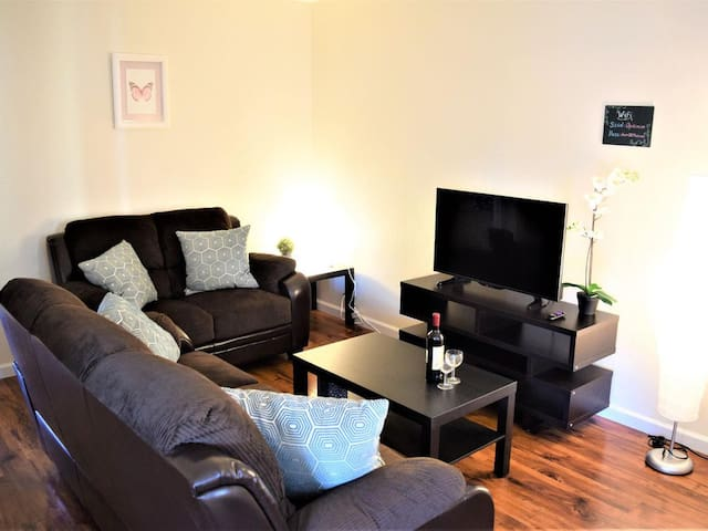 ★ Modern 2BR Apartment ★ Close to Silicon Valley ★