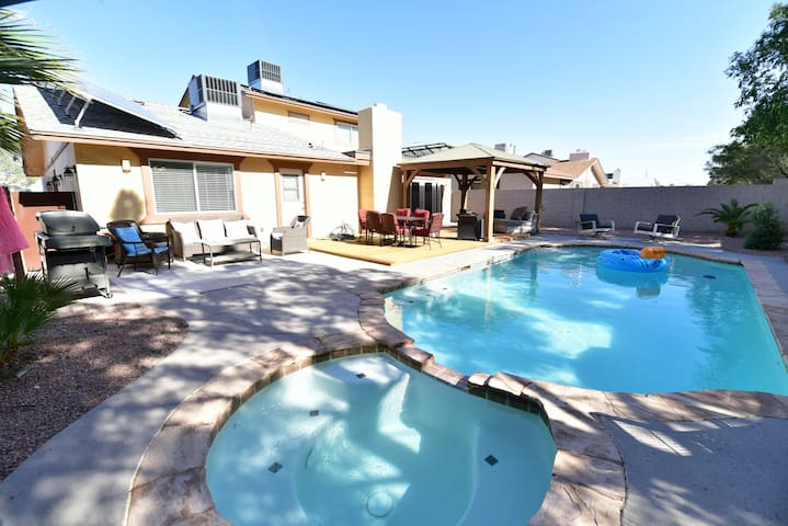 Delightful home with heated pool and Jacuzzi