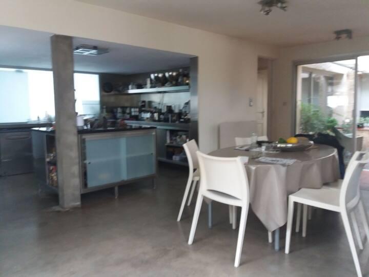 Villa avec piscine et patio interieur  à 5mn plage