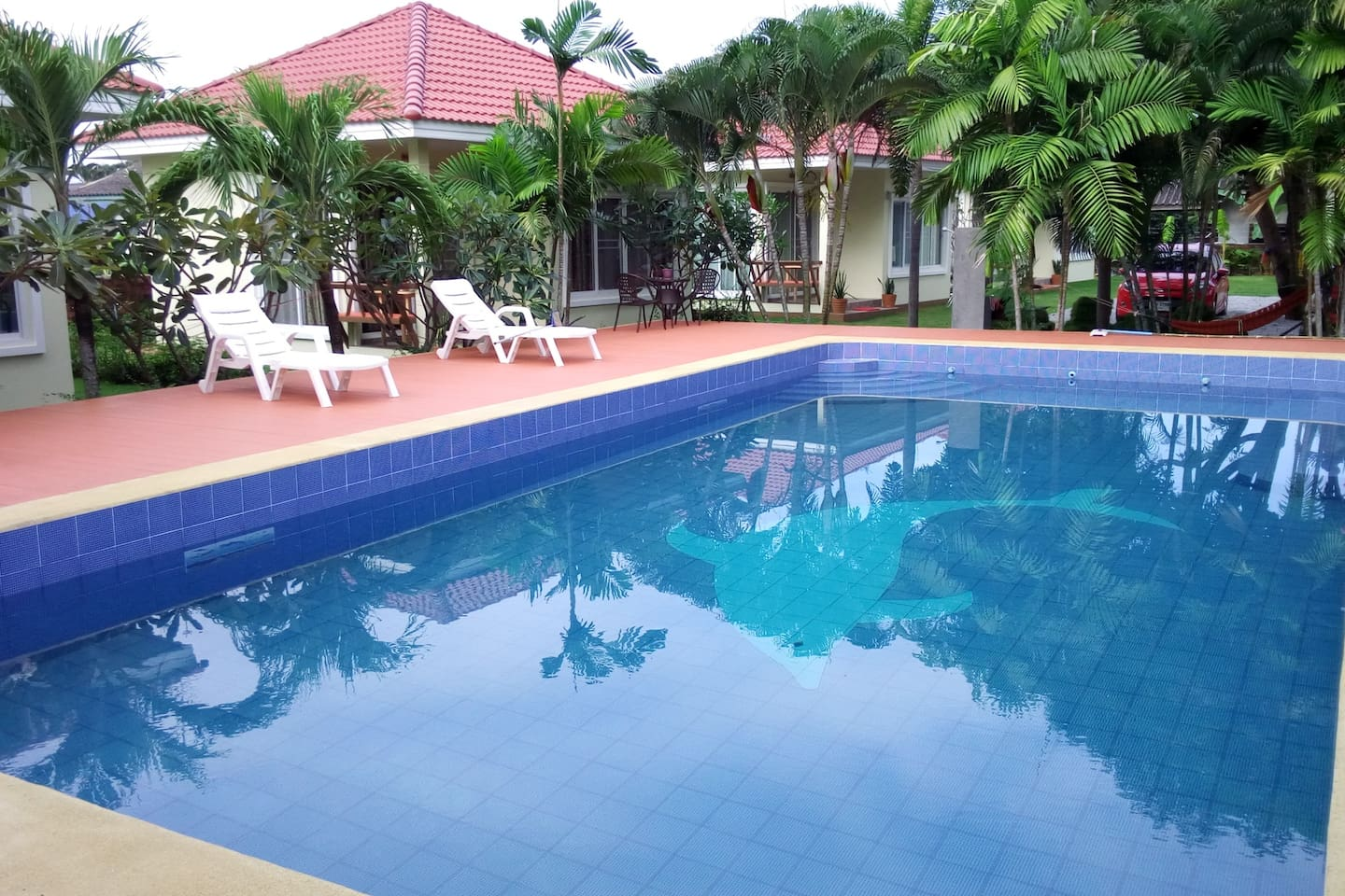 Swimming Pool 10 x 5m x 1.5 deep - Private guest use only