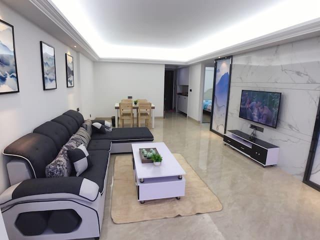 创鸿国际高楼层-文轩公寓2