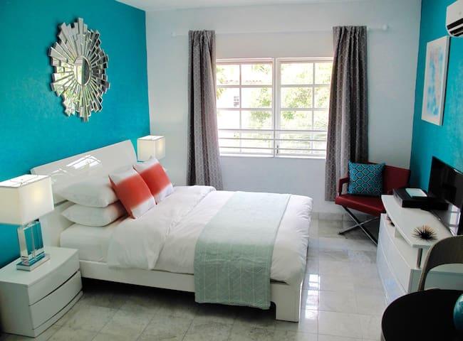 Best location - 1 min. to Beach ! - Miami Beach - Daire