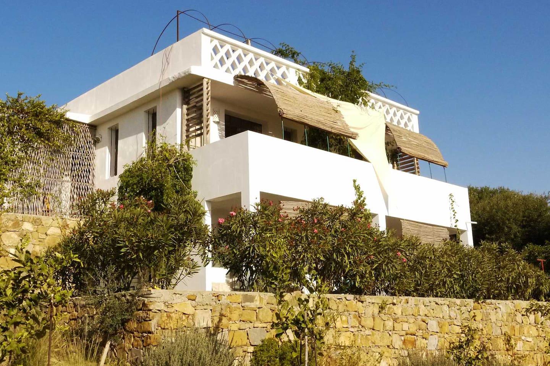 Villa de charme avec vue sur l'océan et la jolie campagne. Cadre enchanteur et ressourçant. La liberté & le confort.
