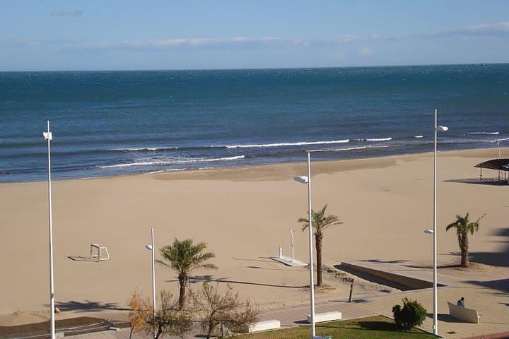 PRECIOSO APARTAMENTO EN PRIMERA LÍNEA DE LA PLAYA - Playa de Gandía