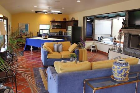 Mission Hills, Splendid Serene, - Saratoga - Guesthouse