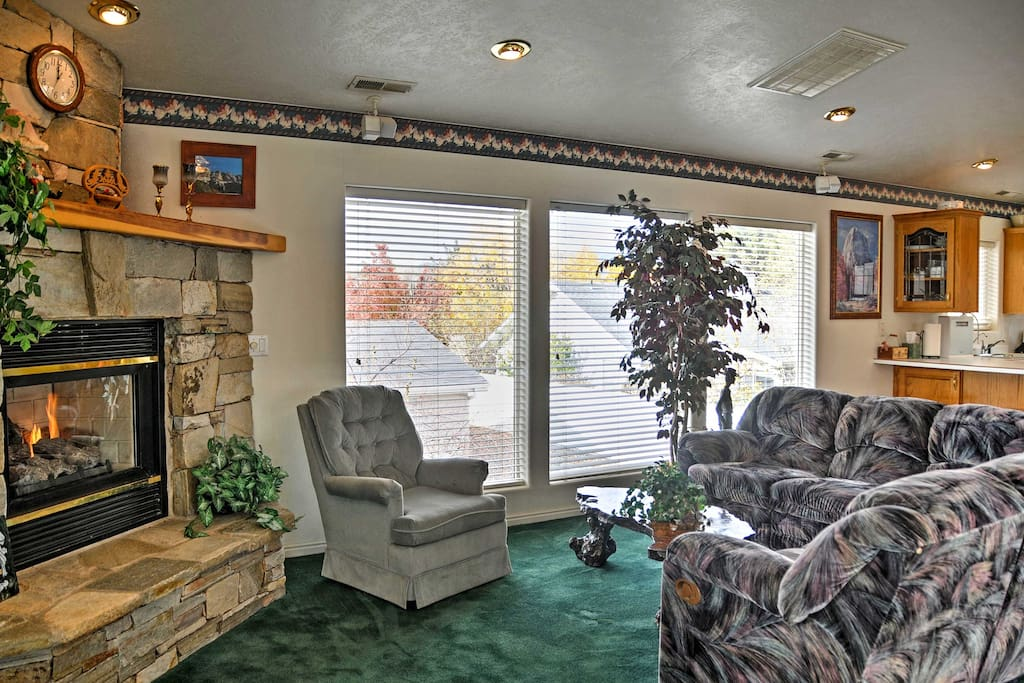 This spacious 1600 square feet studio offers everything you need to feel at home.