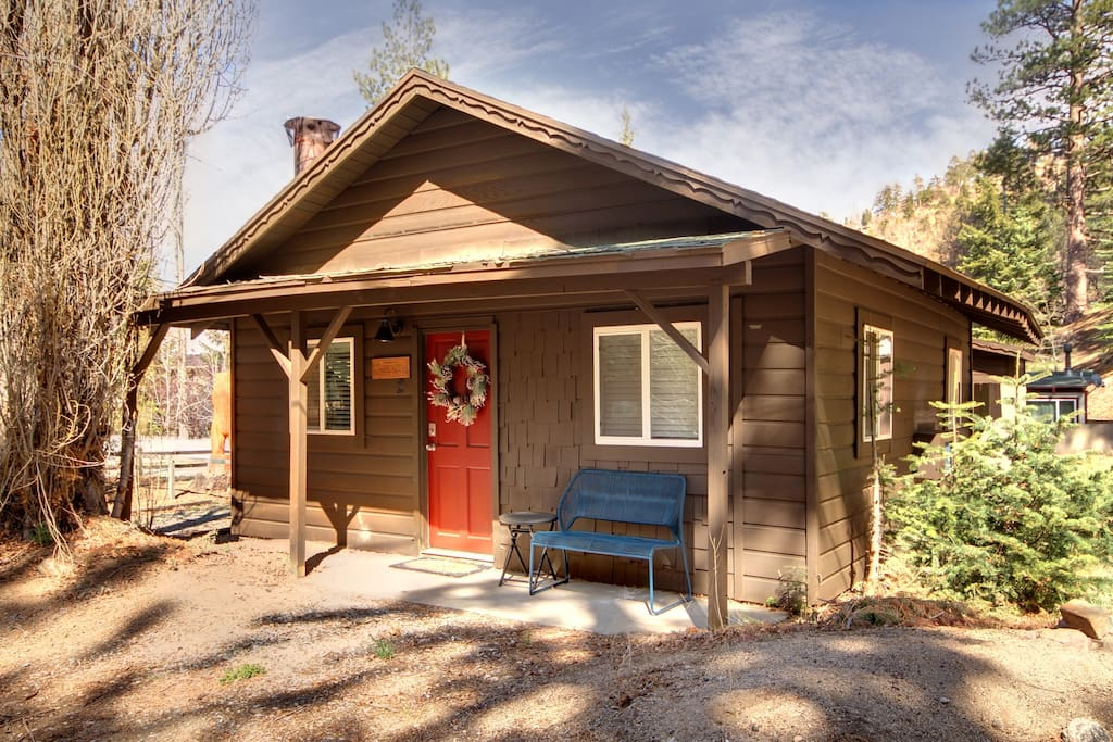 Pineda pines 2 cabin minutes from the village for Big bear village cabins
