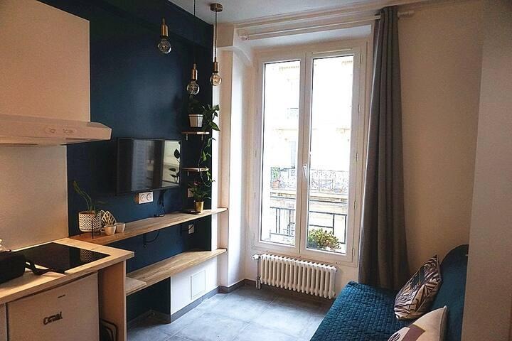 Studio lumineux à Pigalle / proche Sacré Coeur