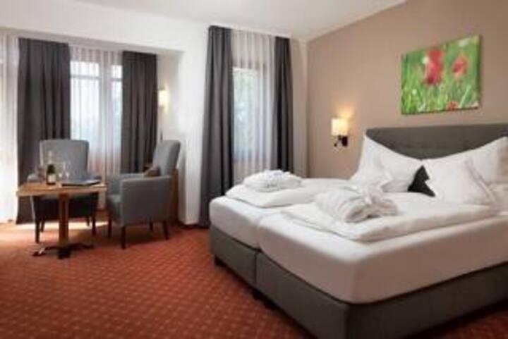 Kurhotel Diana garni OHG (Bad Füssing), Doppelzimmer Superior mit kostenfreiem WLAN