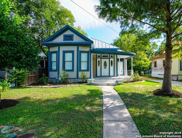 Historic property near Downtown San Antonio - San Antonio - Rumah