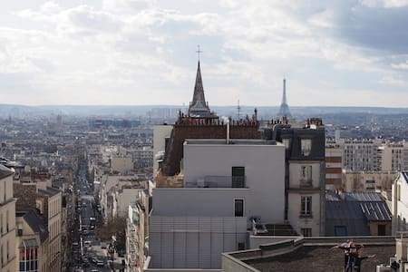 Ménilmontant, a large room and amazing view
