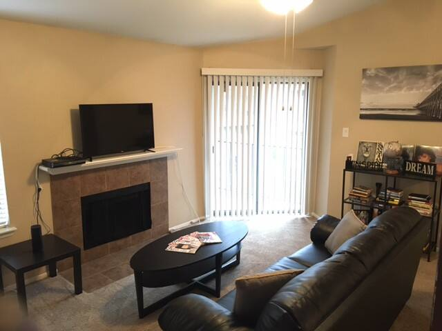 One Bedroom Apt (Washer/Dryer) - Irving - Apartamento
