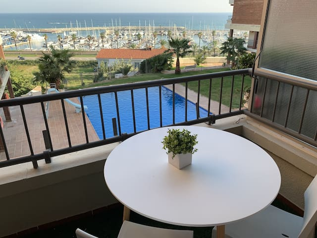 Luxury apartment near the seaside