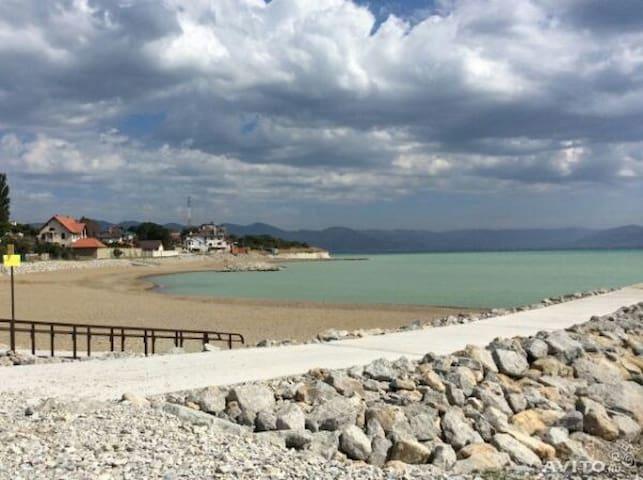 Лучший пляж Чёрного моря ждёт Вас!! - Мысхако - Flat