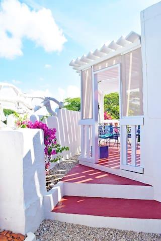 Villa Bougainvillea - Samba Suite