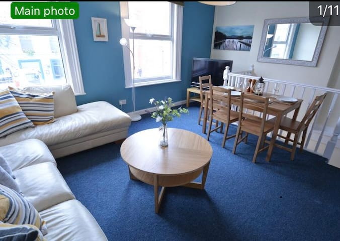 Great Location cosy cute 2 bedroom flat