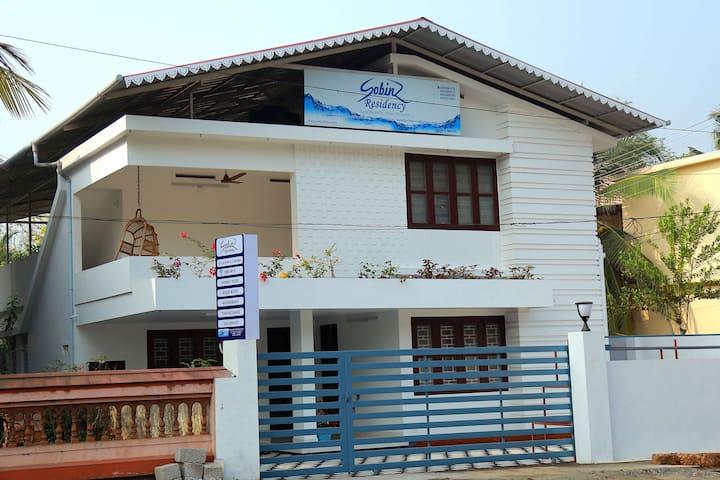 Sobinz Residency - Alappuzha - Hus