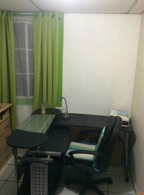 Área para trabajar con laptop