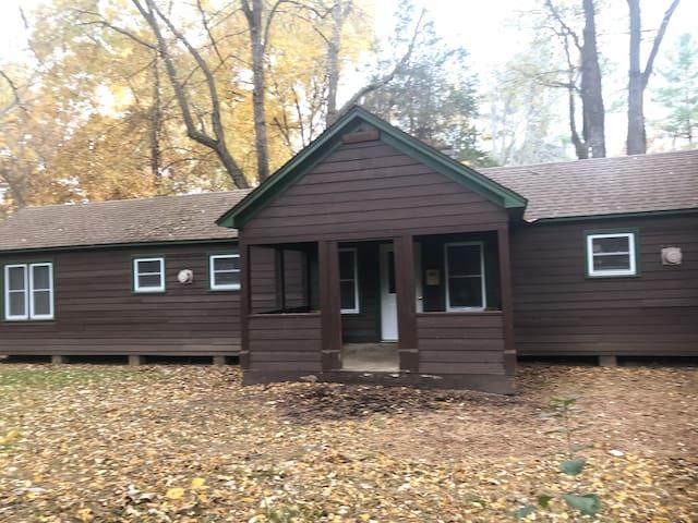 Summer Camp Cabin  Camp Whitcomb/Mason - Monoceros