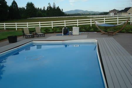 Countryside Estate Luxurious Master Suite Main FLR - Brush Prairie - House