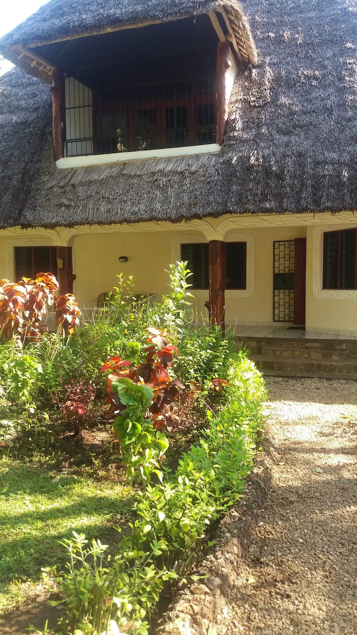 diani horizoni beach cottages