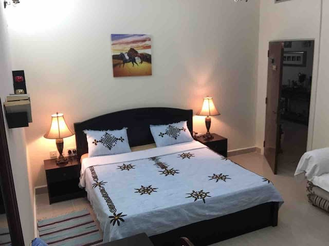 Pleasant&Spacious Bedroom.W/Shared Garden