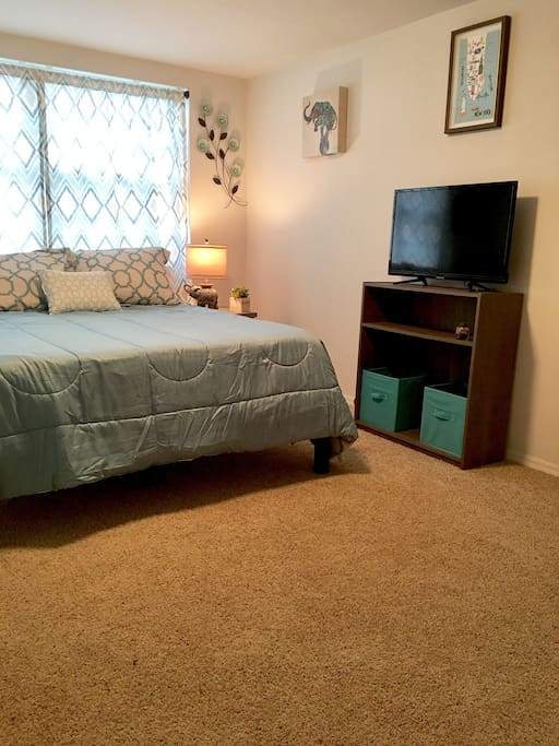 Brand new everything! Bedroom queen size bed,32 in tv with cable,huge closet,small bistro table and chairs