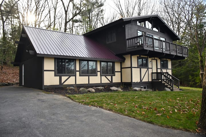 Private House, Main Floor, in the Pocono Mountains