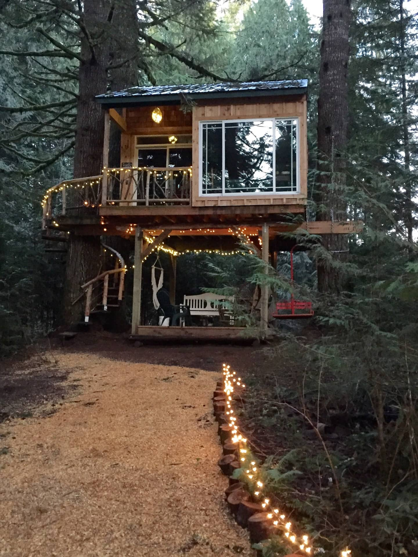 Wow! We found the Best treehouse Oregon Rentals. Save time searching!