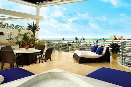 GORGEOUS PENTHOUSE SOUTH BEACH STRIP - Miami Beach - Apartment-Hotel