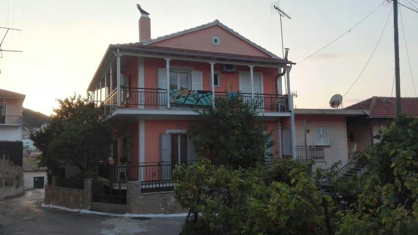 Spiros House - Agios Mattheos - Wohnung