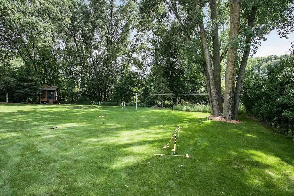 Spacious backyard to enjoy some outdoor games.