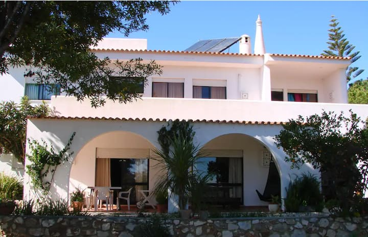 VEGAN House Share Portimao, 5min to beach
