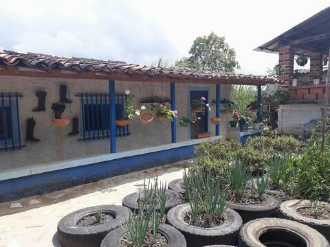 Cabaña Finca El Atardecer San Roque, Antioquia