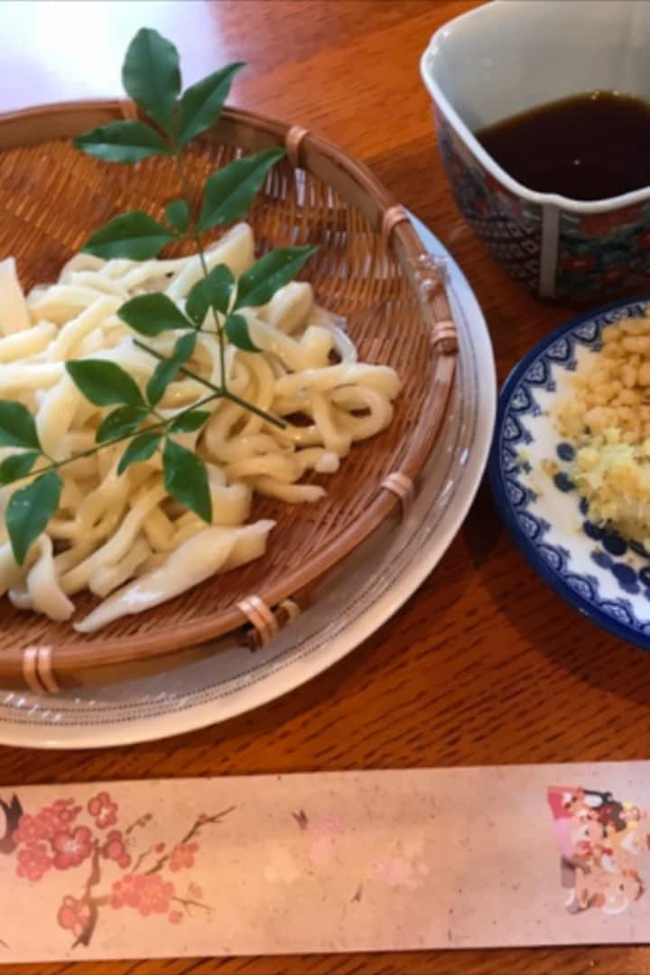 Let's eat delicious Udon together.