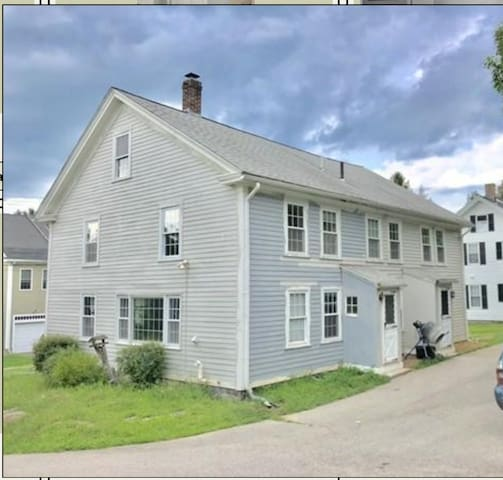 Lovely Upton Spacious Home, 3 Bedrooms, 2.5 Baths