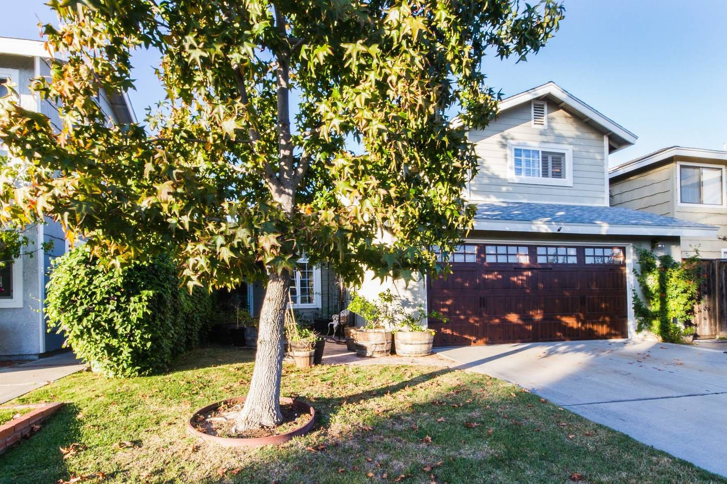 On quiet cul-de-sac w ample parking, garden, 1500sf 2story house.