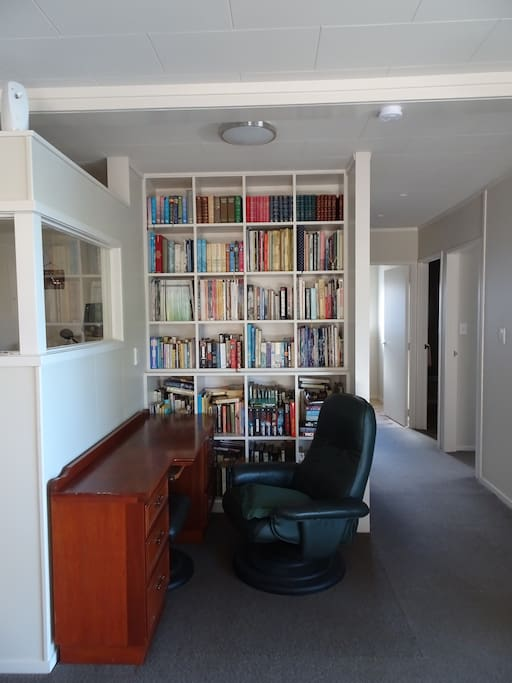 Writing desk/library