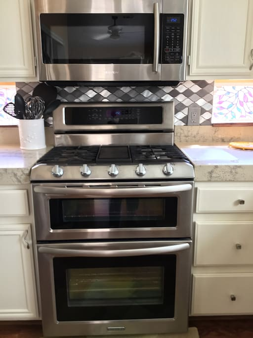 Microwave, gas stove, double oven