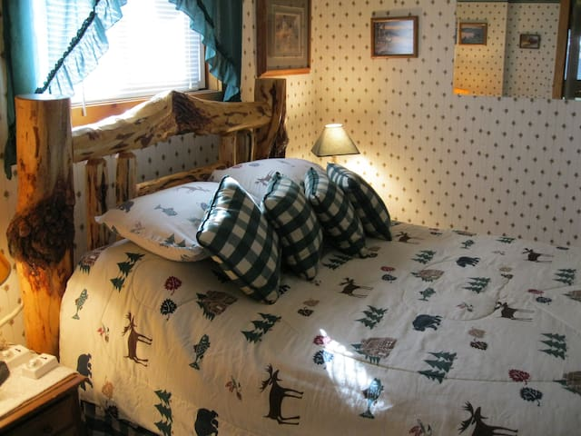 private bedroom with Queen bed
