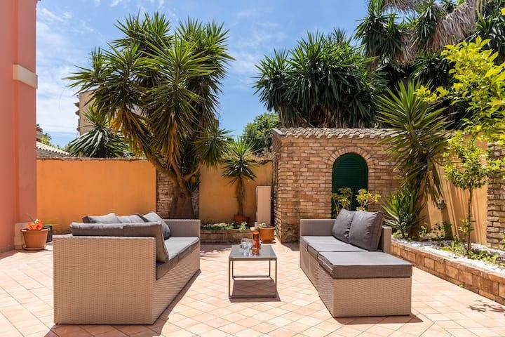 """Moraitis Mansion""-Apartment with Garden & BBQ"