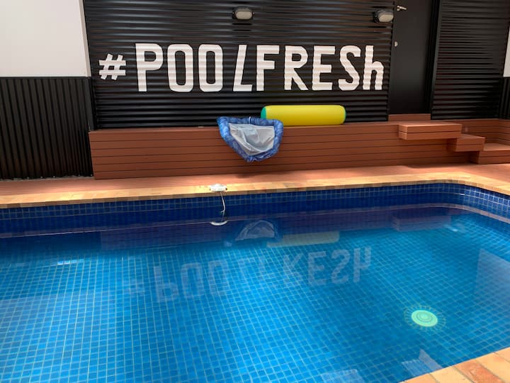 Poolfresh luxury studio with indoor pool sleeps 5
