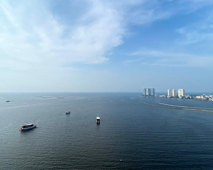 Brand New Sea View Condominium close to Airport