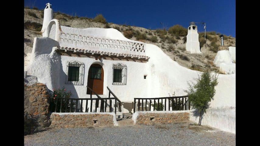 Cueva 6 - Baza, Andalucía, ES - House