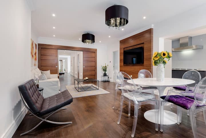 Stylish Apartment with Patio in Central London