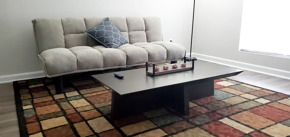 SPACIOUS 1 BED APT WITH BRAND NEW APPLIANCES