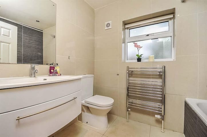 Fantastic Value,great location,clean house,parking